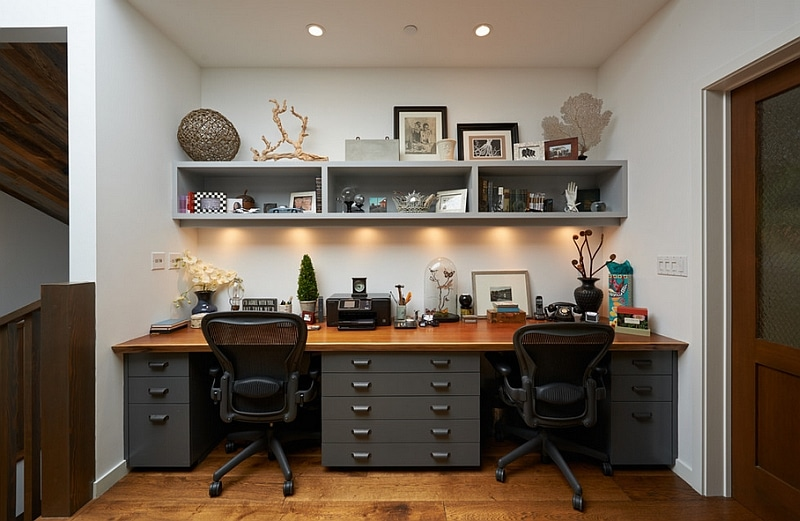 Home office working space with a chair and a table with drawers for Ukhuni